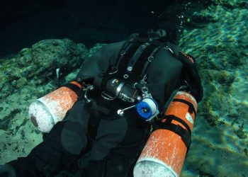 Sidemount Diving: Is it for me?